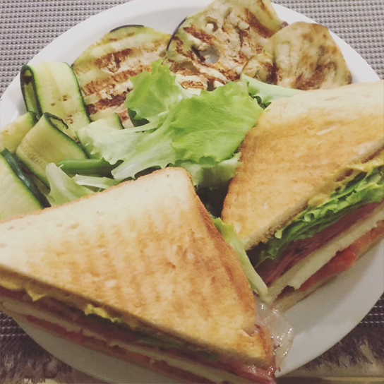 club sandwich al pastrami